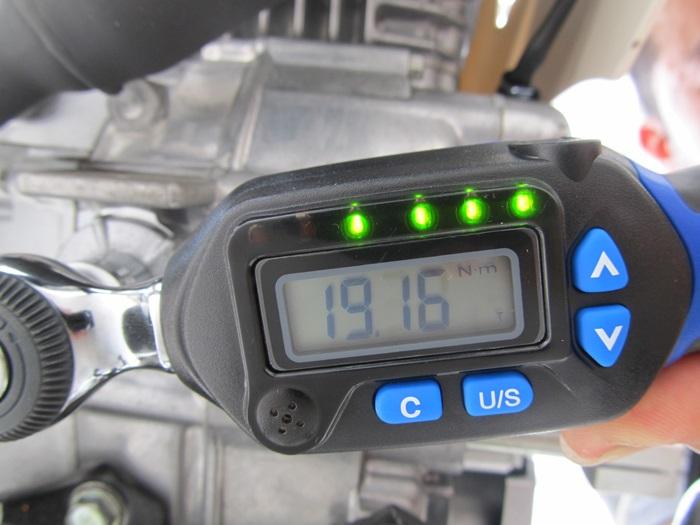 設定トルク90%で緑LED4個点滅